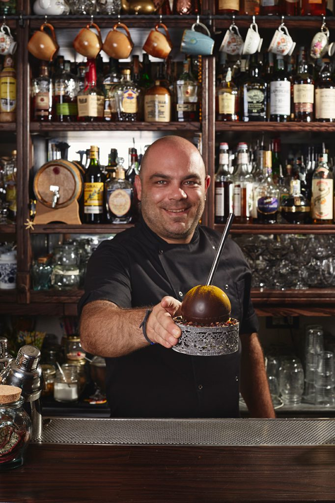 mai_tai_faberge_fabio_camboni_cocktail_cioccolato_vanity_fair Mai Tai Fabergè: il Tiki gourmet